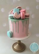Macaron & Chocolate drip