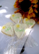Daisy Heart Cookies Wedding Placecards