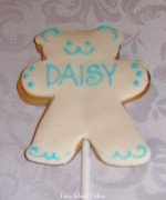 White Daisy Teddy Bear Cookie