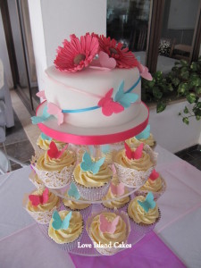 bright-butterflies-and-gerberas-wedding-cake