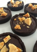 Honeycomb and chocolate tarts