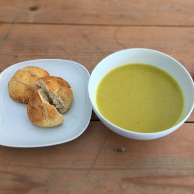 Soup & gluten-free bread (winter lunch menu)