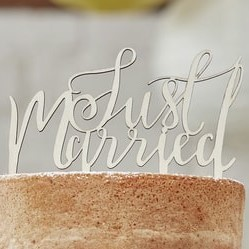 wooden Just Married topper